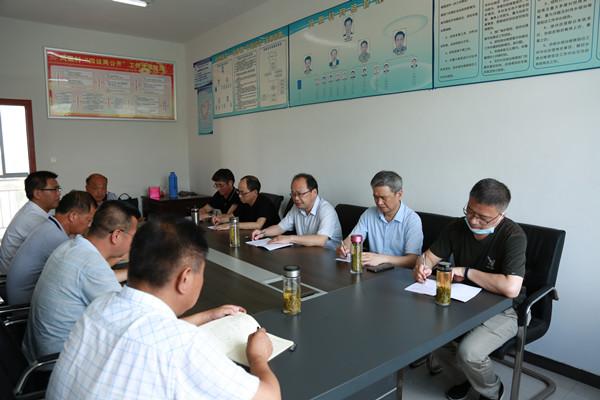 铜陵学院校领导赴郊区凤凰村调研走访脱贫攻坚工作